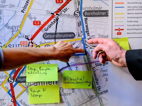 Bürger*innen Hinweise auf Post-its zum Panke-Trail